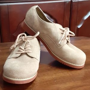 Hush Puppies tan suede 100% leather oxford 3.5M
